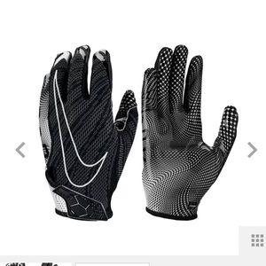 NWT Nike Adult Vapor Knit Football Skill Gloves